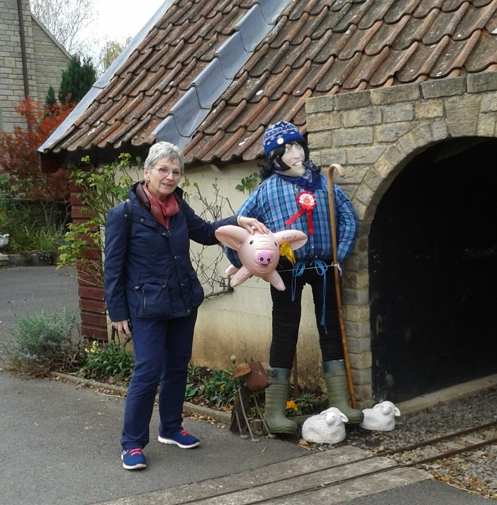 Image of Juliet with the Sheep Pig scarecrow entry.